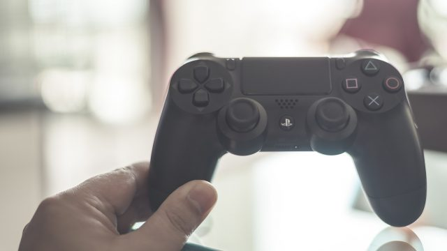 So kannst Du den PS4-Controller an den PC anschließen.
