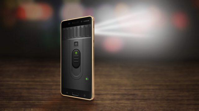 Taschenlampe am Smartphone