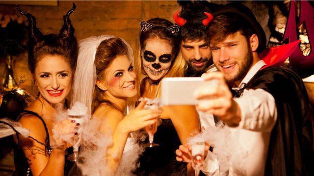 Halloween-Apps für mehr Partyspaß und noch mehr Gruseleffekte.
