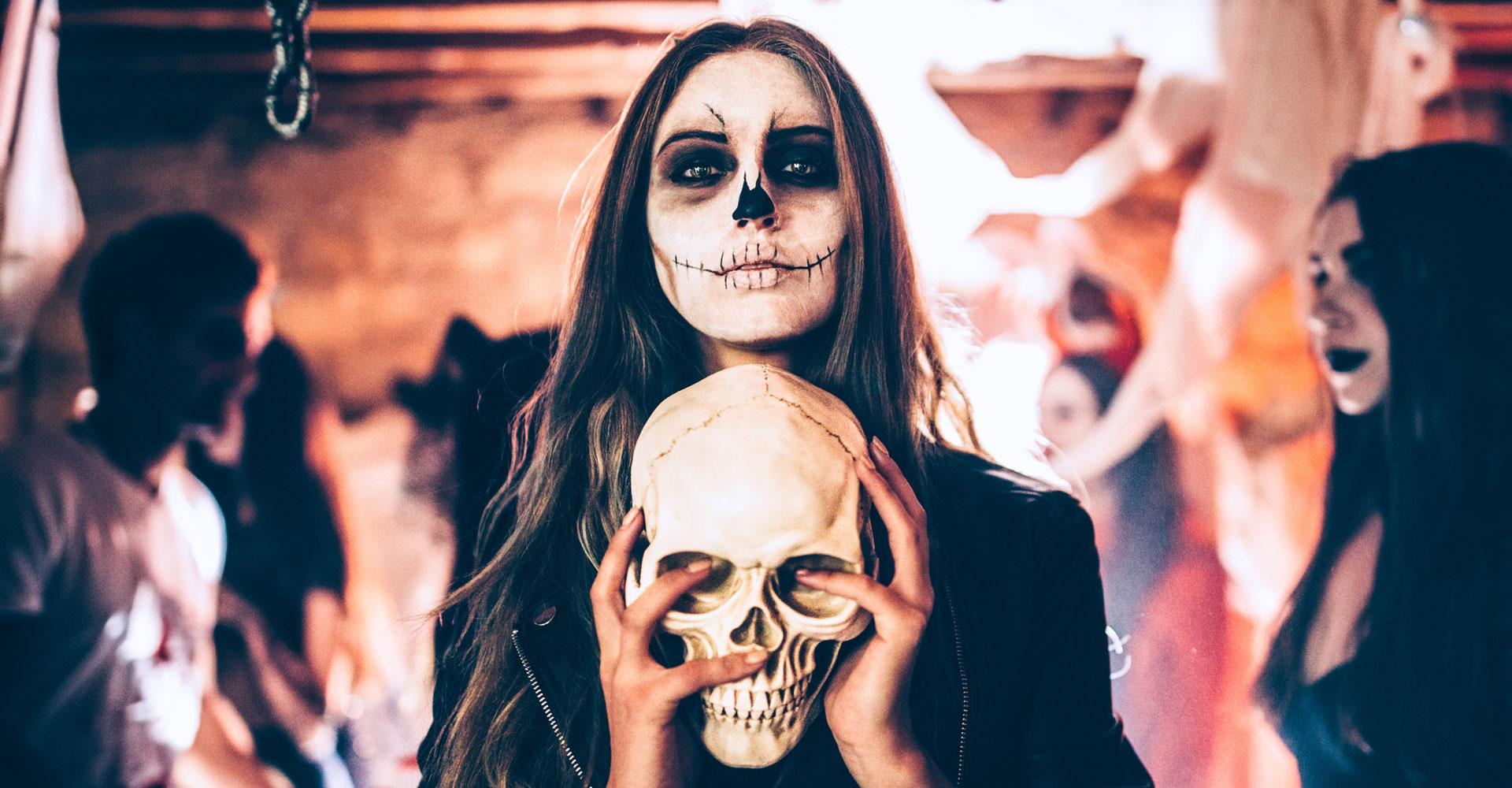 Halloween Schminken Ohne Kostum.Bestes Halloween Selfie Fur Instagram Facebook Und Co So Geht S