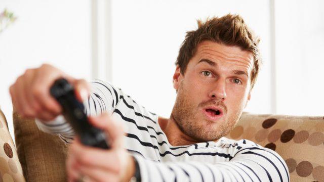 Ein Gamer ist voll im Geschehen