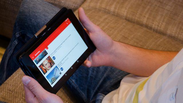 YouTube auf einem Tablet