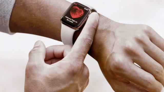 Die Apple-Watch-4-Krone drücken.