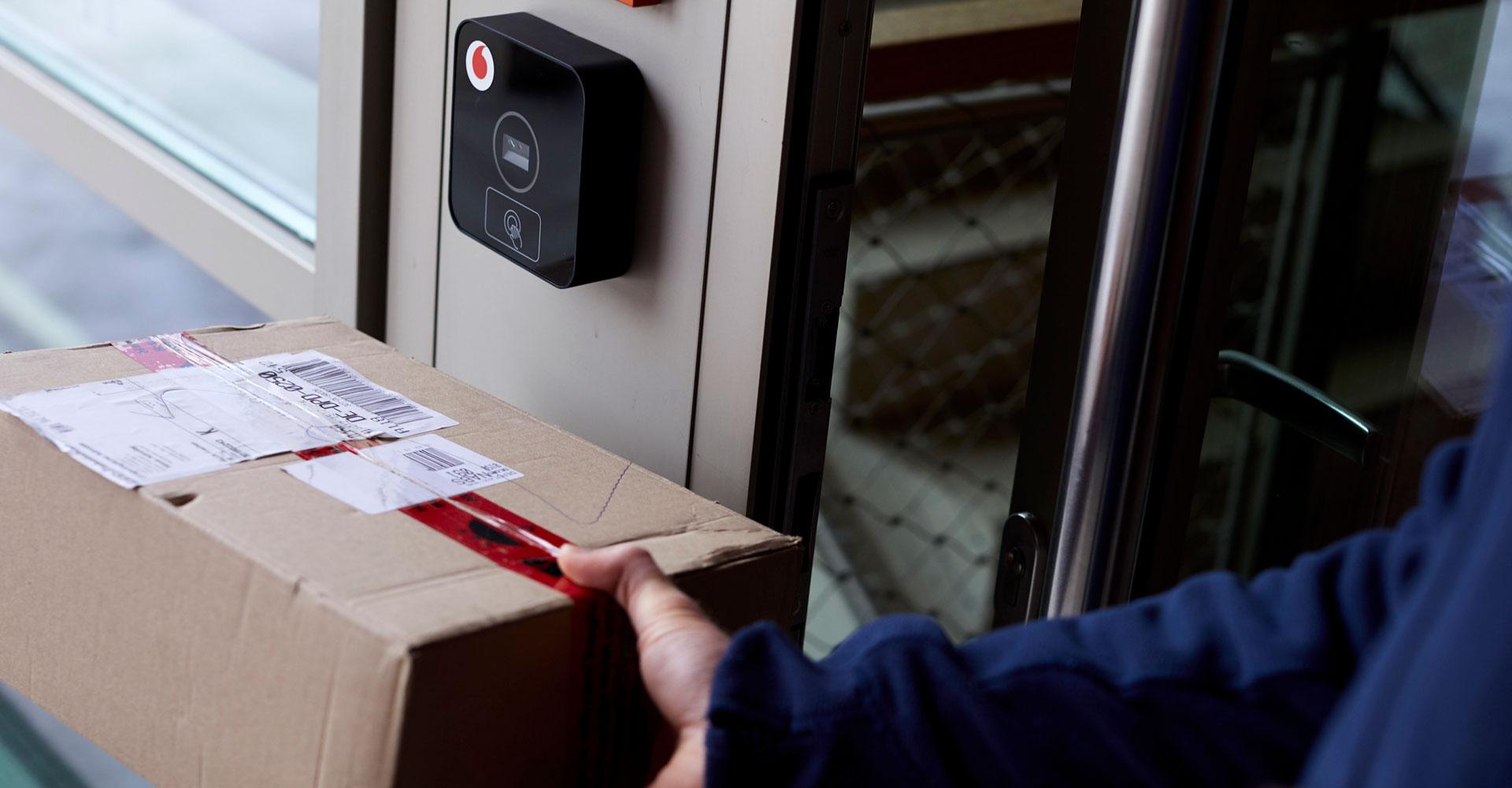 Digitaler Concierge: Cido öffnet Paketboten die Tür – und kann noch viel mehr