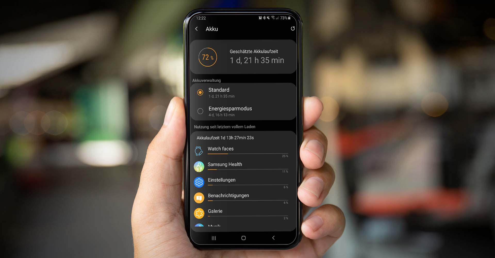 Den Akku der Galaxy Watch in der Galaxy-Wearable-App überprüfen.