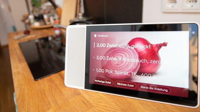 Lenovo Smart Display zeigt Kochrezept an