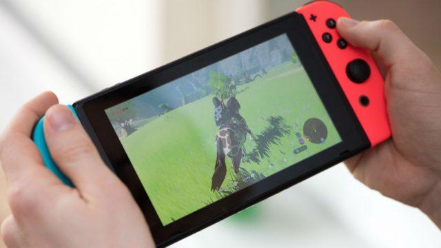 Das Spiel The Legend of Zelda: Breath of the Wild mit der Nintendo Switch zocken.