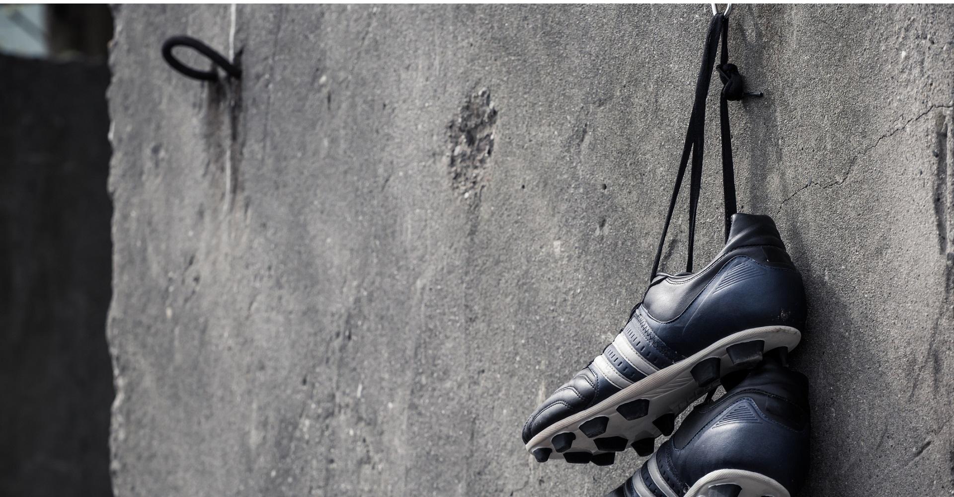 Alex Hunter hat sein Fußballschuhe an den Nagel gehängt