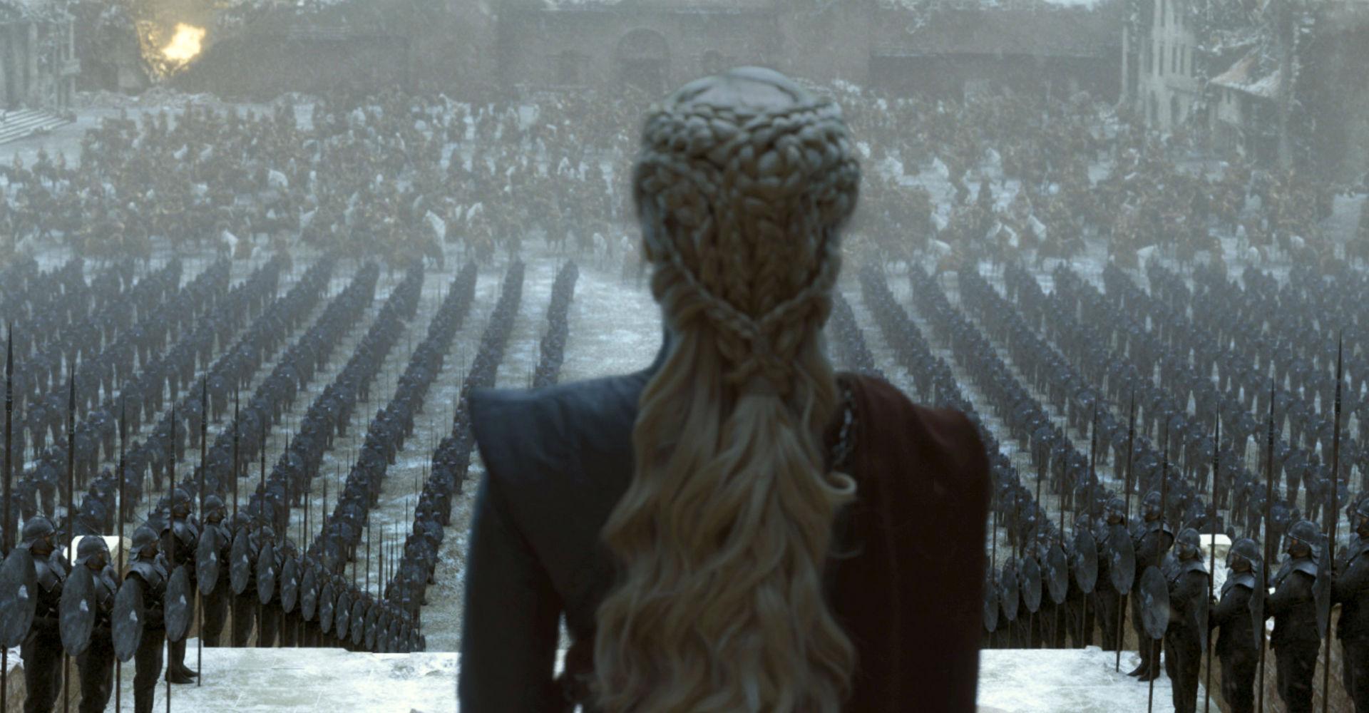 """Szenenbild mit Danaerys in der letzten Episode von """"Game of Thrones""""."""