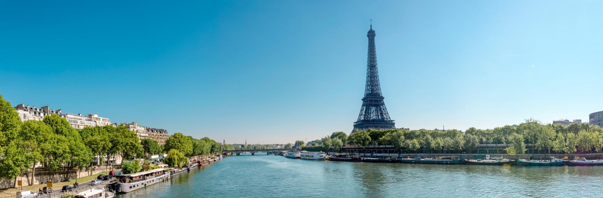 Der Eiffelturm und die Seine.