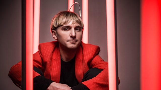 Future Stories: Neil Harbisson hört Farben mit künstlichem Sinnesorgan