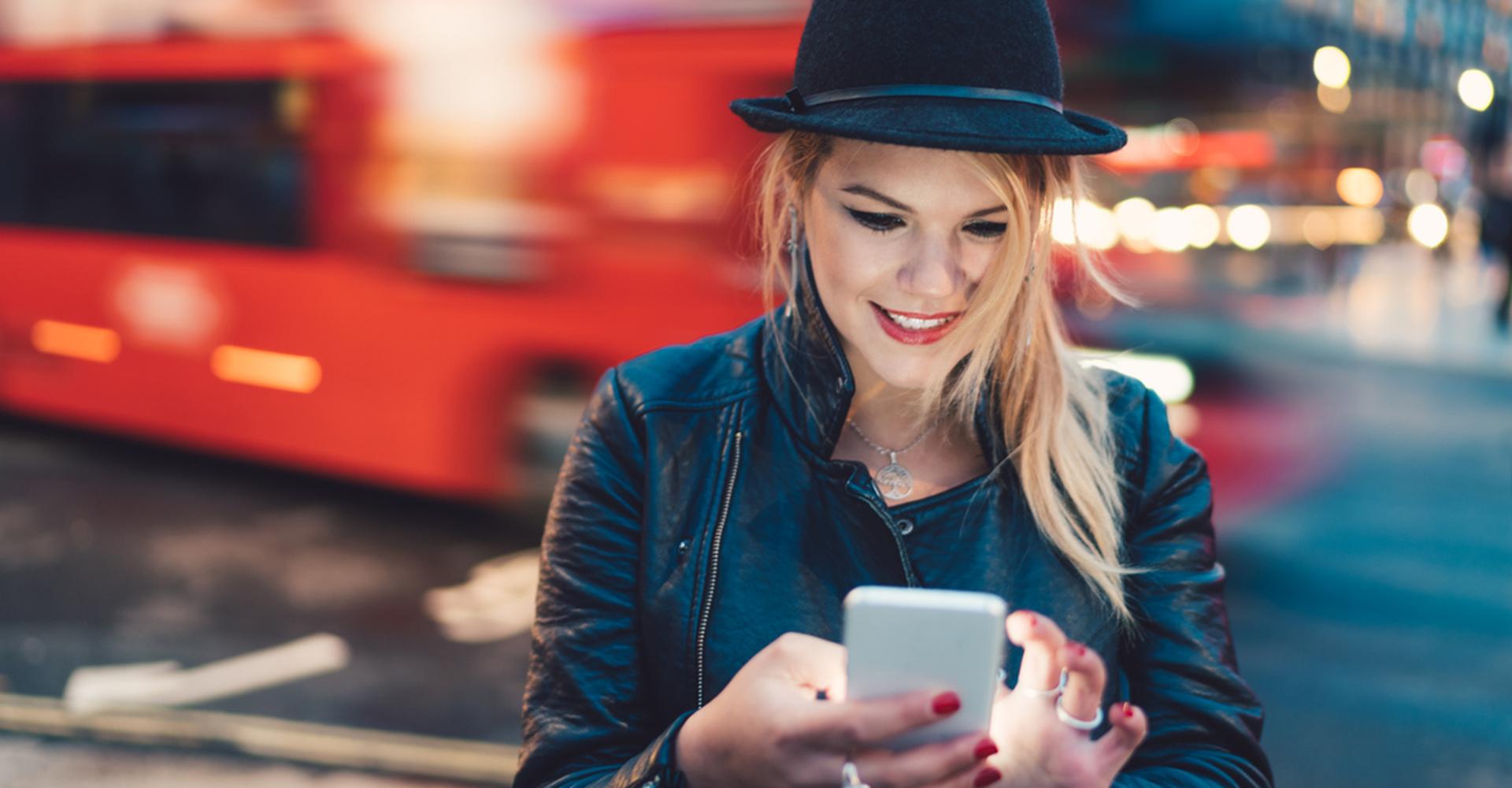 Praktische Apps und Gadgets für Deinen Städtetrip