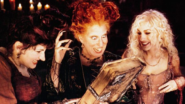 """Kathy Najimy, Bette Midler und Sarah Jessica Parker in """"Hocus Pocus""""."""