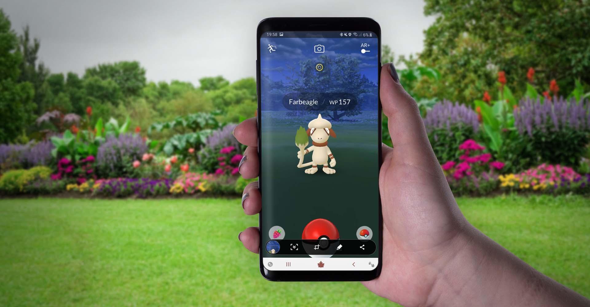 Farbeagle erscheint in Pokémon Go am Samsung Galaxy S9+.