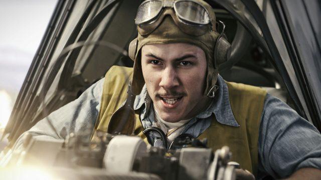 """Pilot in """"Midway"""" in seinem Flugzeug. Foto: Universum Film"""