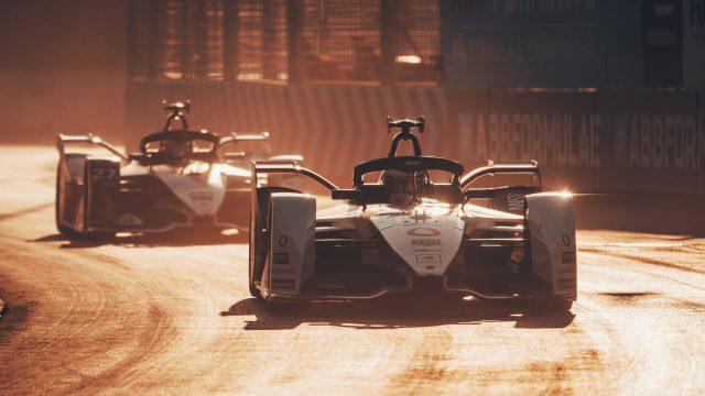 Vodafone-Rennwagen beim Formel-E-Rennen in Diriyah, Saudi-Arabien