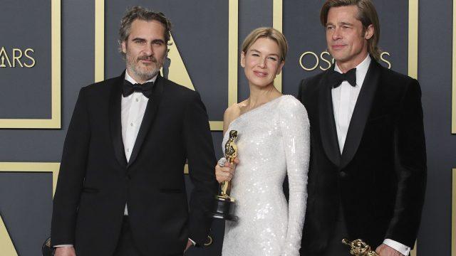 Joaquin Phoenix, Renée Zellweger und Joaquin Phoenix mit ihren Oscars.