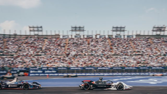 Rennszene aus dem vierten Formula-E-Rennen in Mexico City