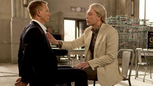 """James Bond und der Bösewicht Raoul Silva in """"Skyfall""""."""