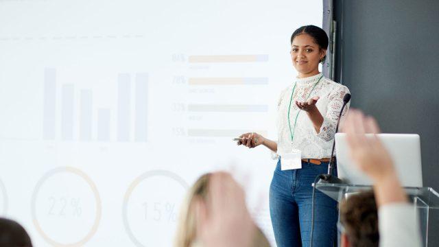 Bühne frei für Frauen: Eine Plattform für Expertinnen will mehr Frauen aufs Podium bringen