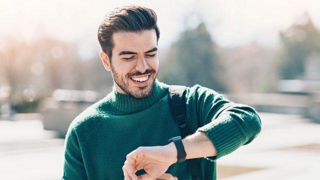 Smartwatch: WhatsApp Benachrichtigungen auf Fitbit-Wearable