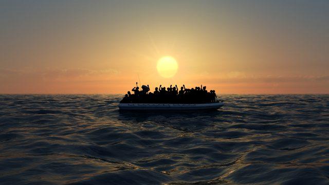 Geflüchtete auf einem Boot. Im Videospiel Salaam erzählt Lual Mayen von seiner Flucht aus dem Südsudan