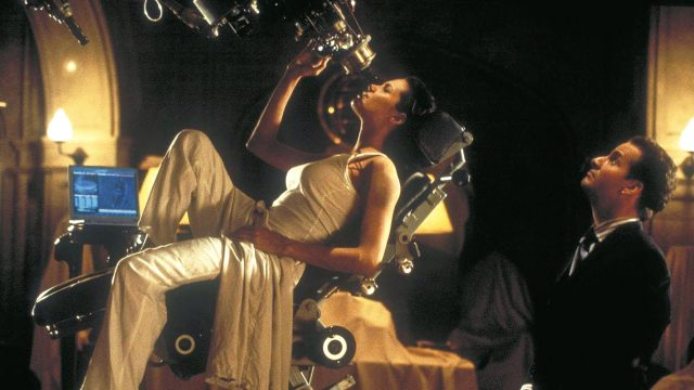 Angelina Jolie in Lara Croft - Tomb Raider