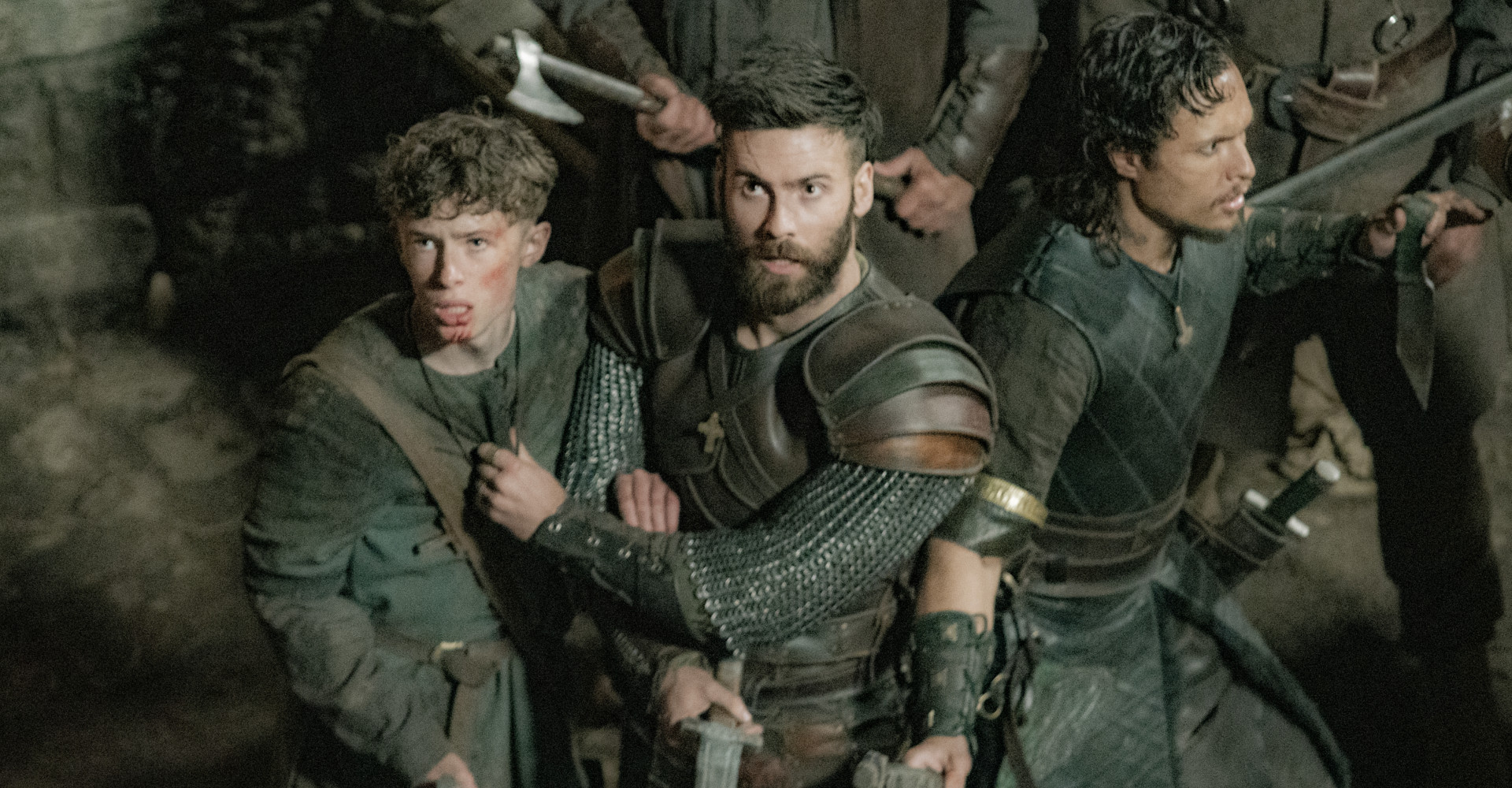 Mark Rowley, Finn Elliot und Aenas Fedaravicius in The Last Kingdom
