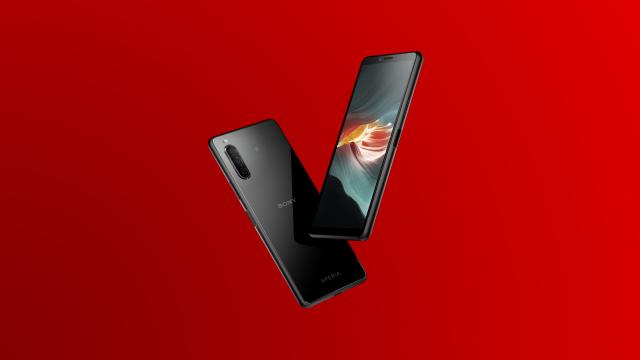 Das neue Sony Xperia 10 II frontal und rückseitig in schwarz.