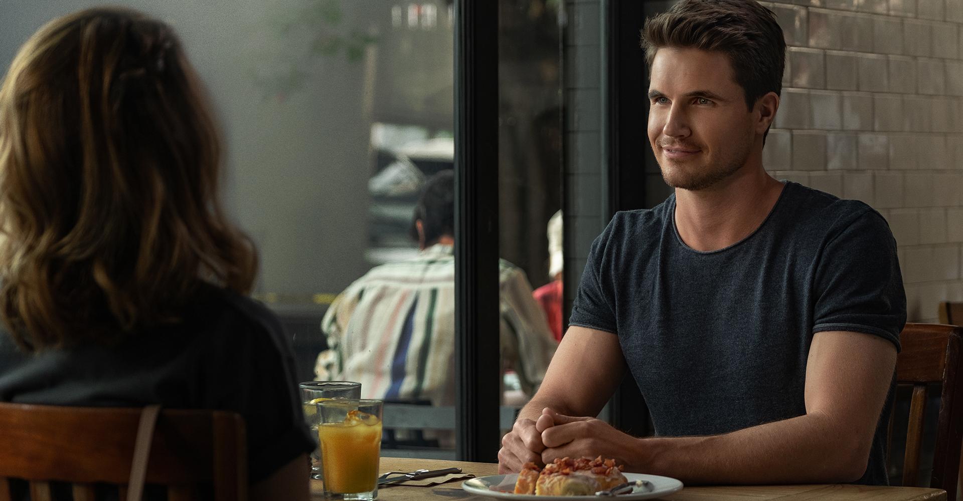 Robbie Amell in Desperados von Netflix
