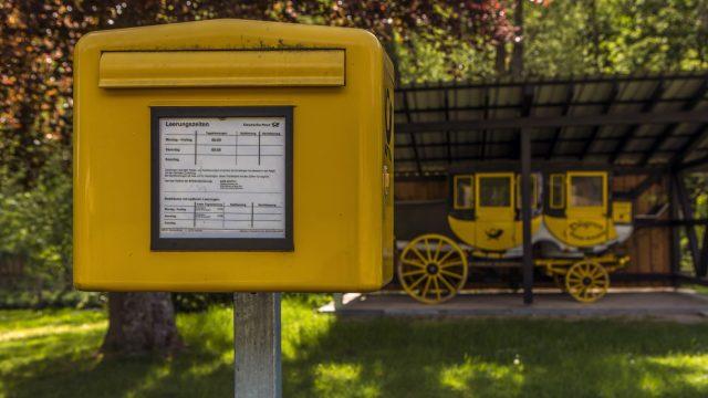 Briefkasten der Deutschen Post.