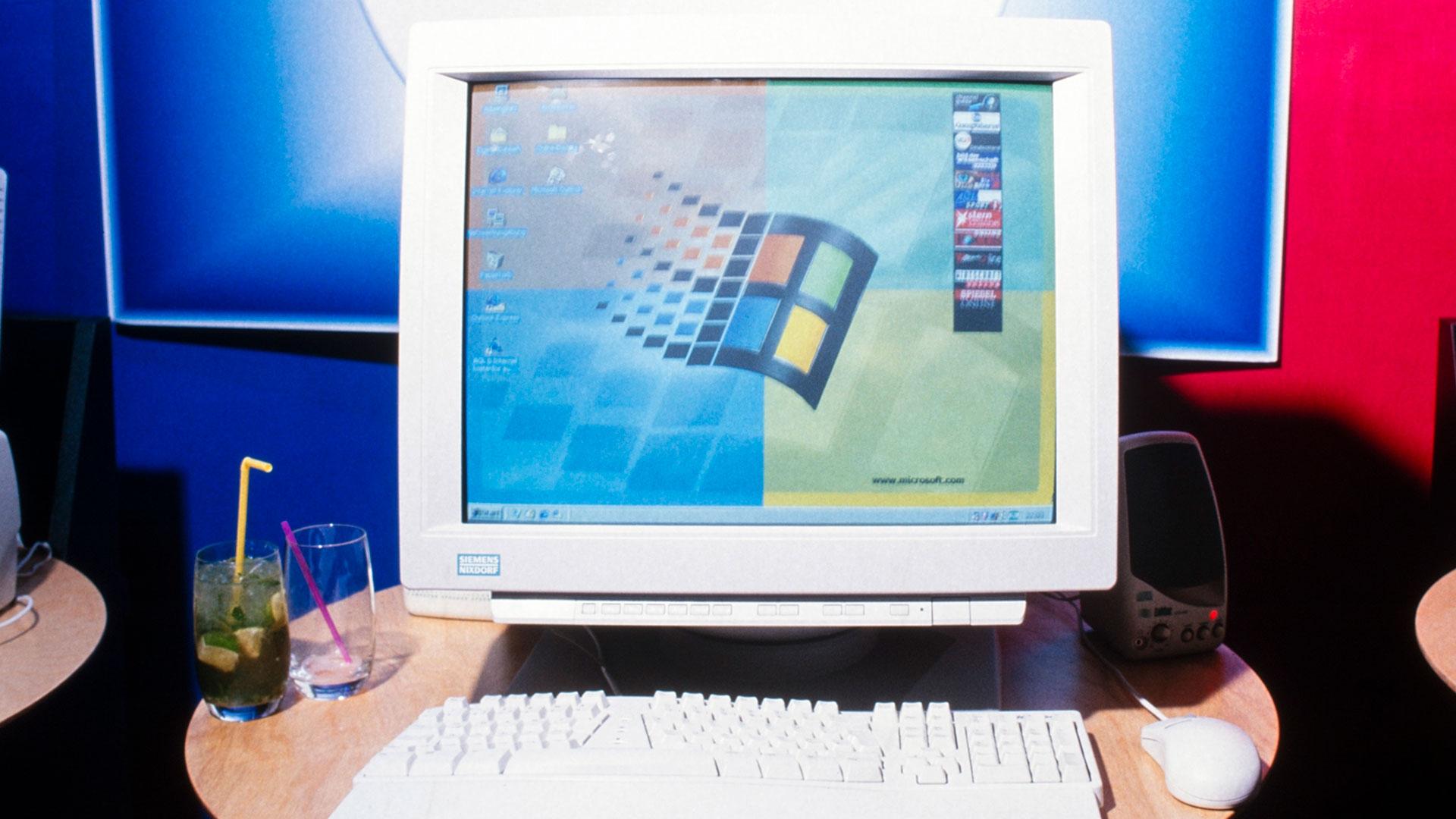 Ein Desktop Computer mit dem Betriebssystem Windows 95