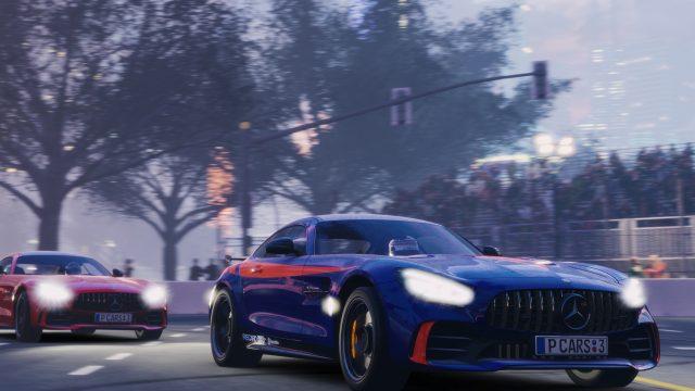 """Ein Mercedes AMGGTR im Spiel """"Project Cars 3"""" auf der Strecke in Shanghai."""