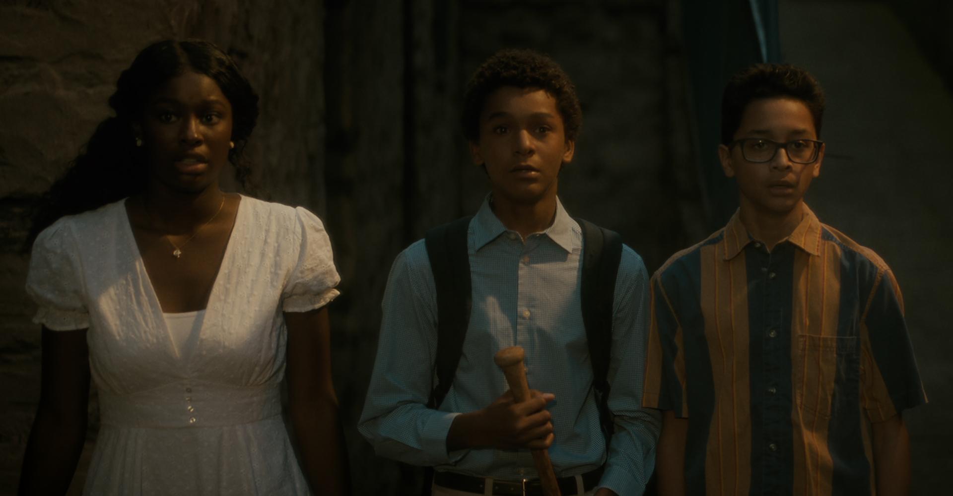 Jaden Michael, Gregory Diaz IV und Coco Jones in Vampires vs. the Bronx