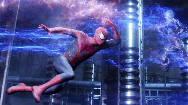 """Electro kämpft gegen Spider-Man in """"The Amazing Spider-Man 2""""."""
