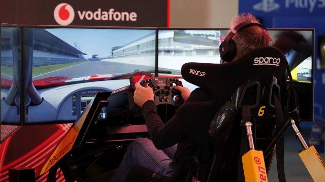 Der Vodafone Racing-Simulator im Xperion, der E-Sport-Arena von Saturn.