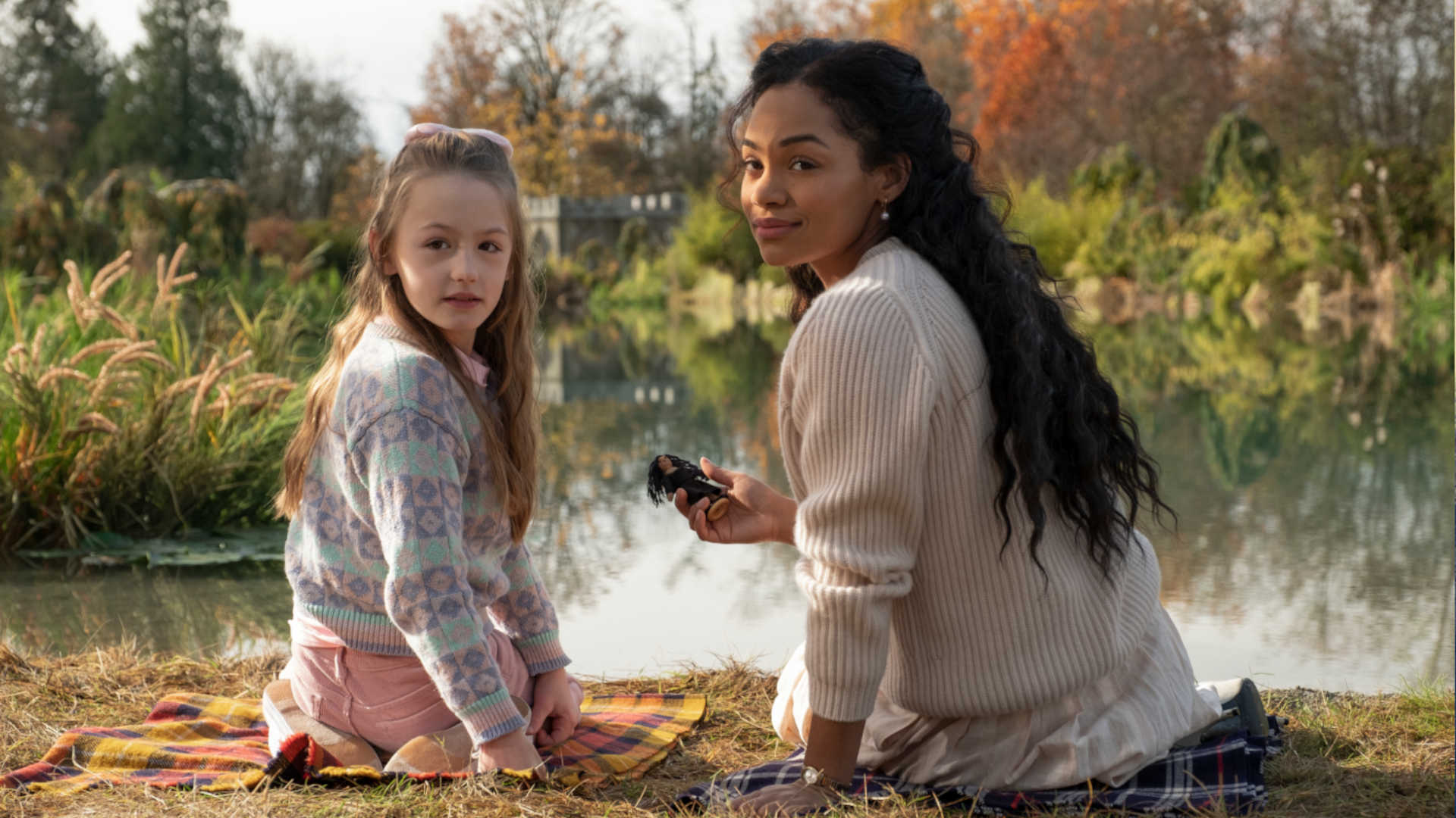 Tahirah Sharif als Rebecca in Spuk in Bly Manor bei Netflix