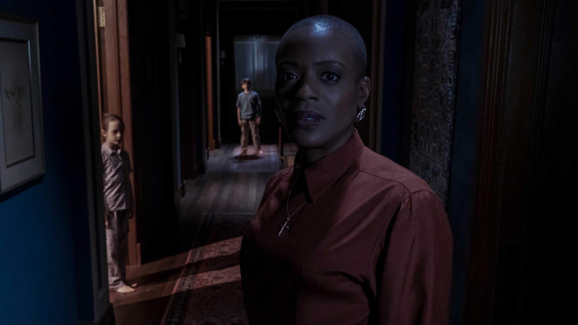 T'Nia Miller als Hannah Grose in Spuk in Bly Manor bei Netflix