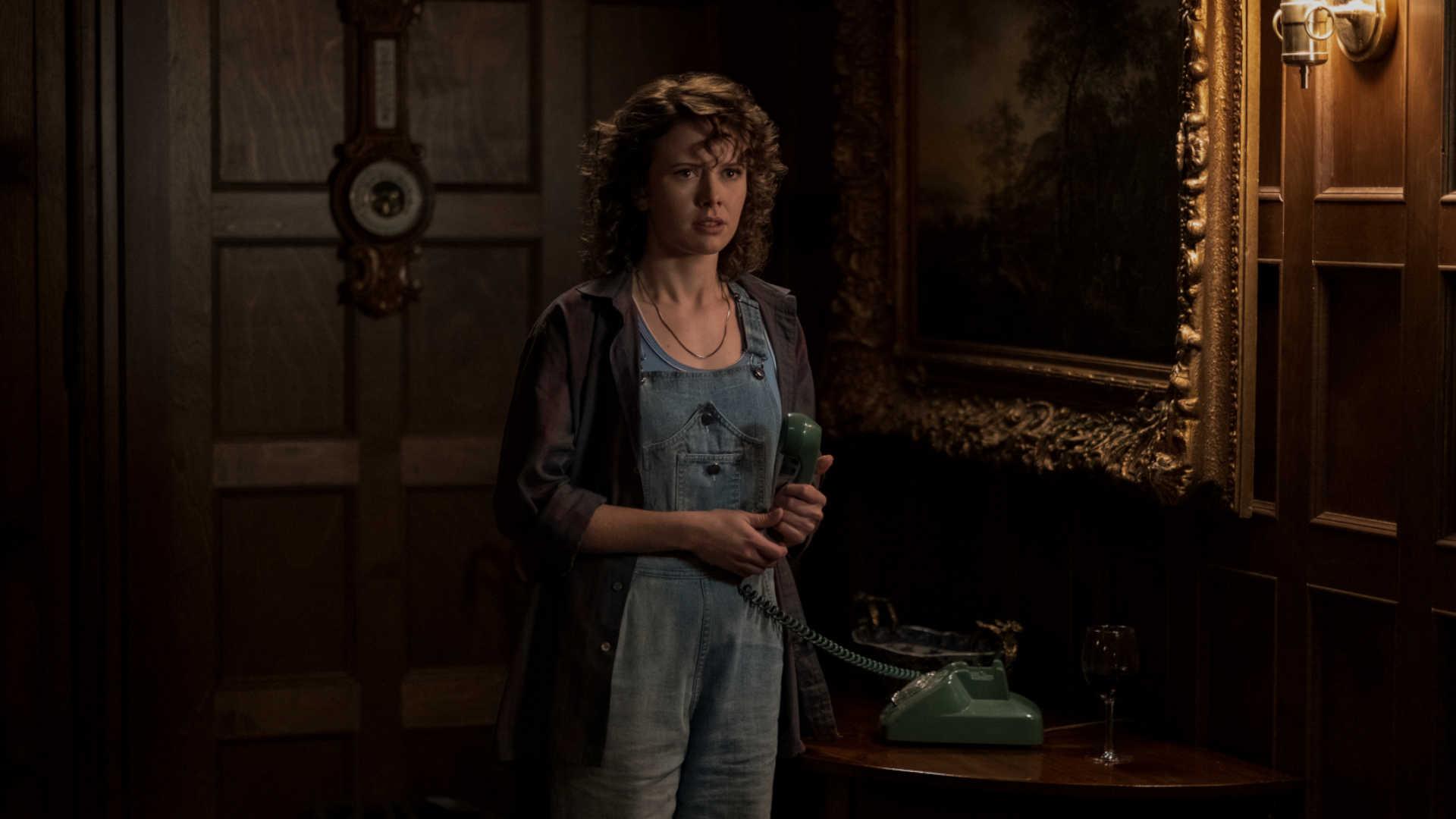Amelia Eve als die junge Jamie in Netflix' Spuk in Bly Manor