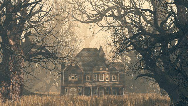 Ein verlassenes, marodes Haus im Wald, gesäumt von Bäumen.
