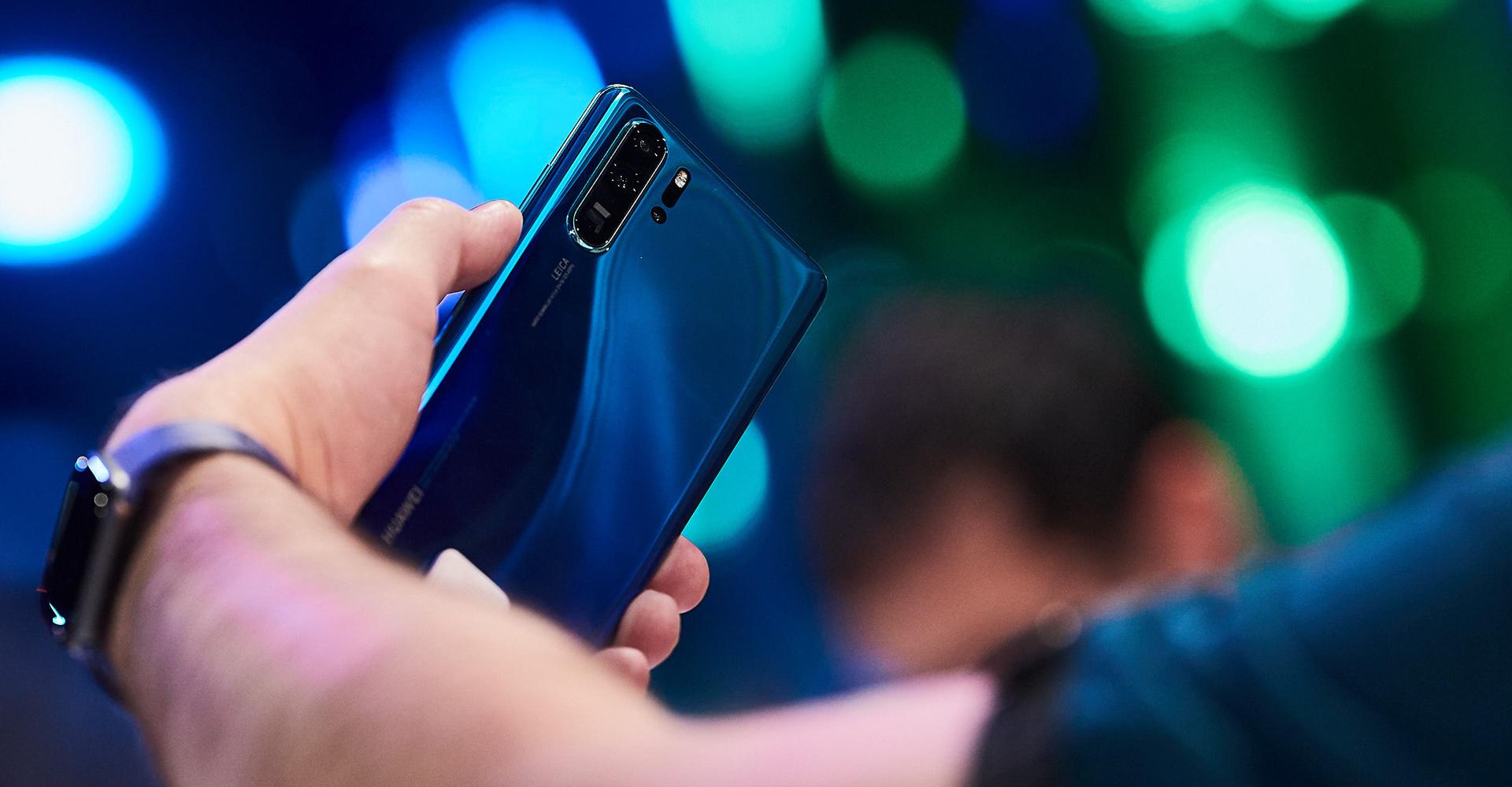 Smartphone ins Wasser gefallen: Wie kriege ich es trocken?