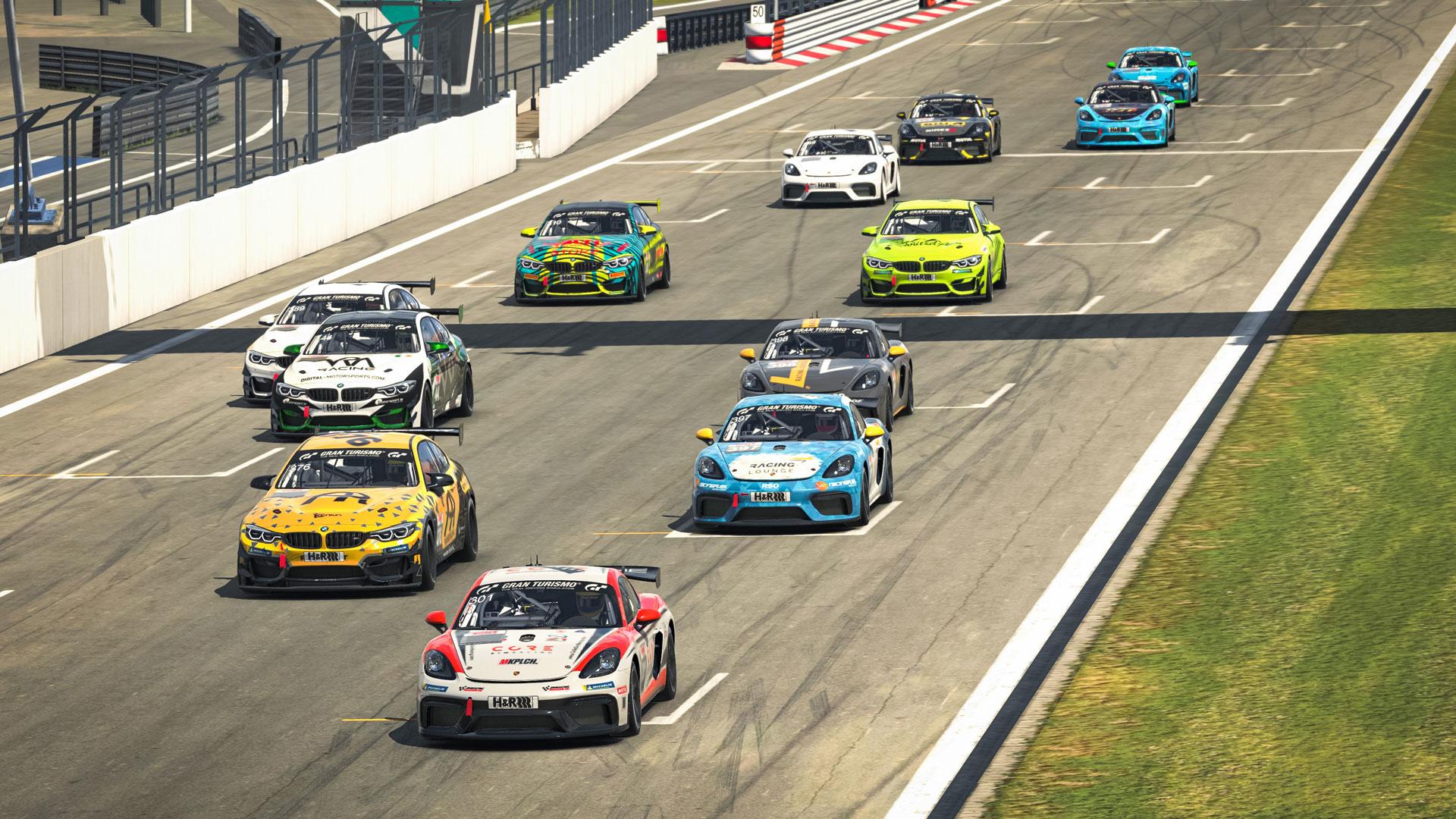 Die Rennfahrer und Simracer in der SP10 beim H&R 3h-Rennen.