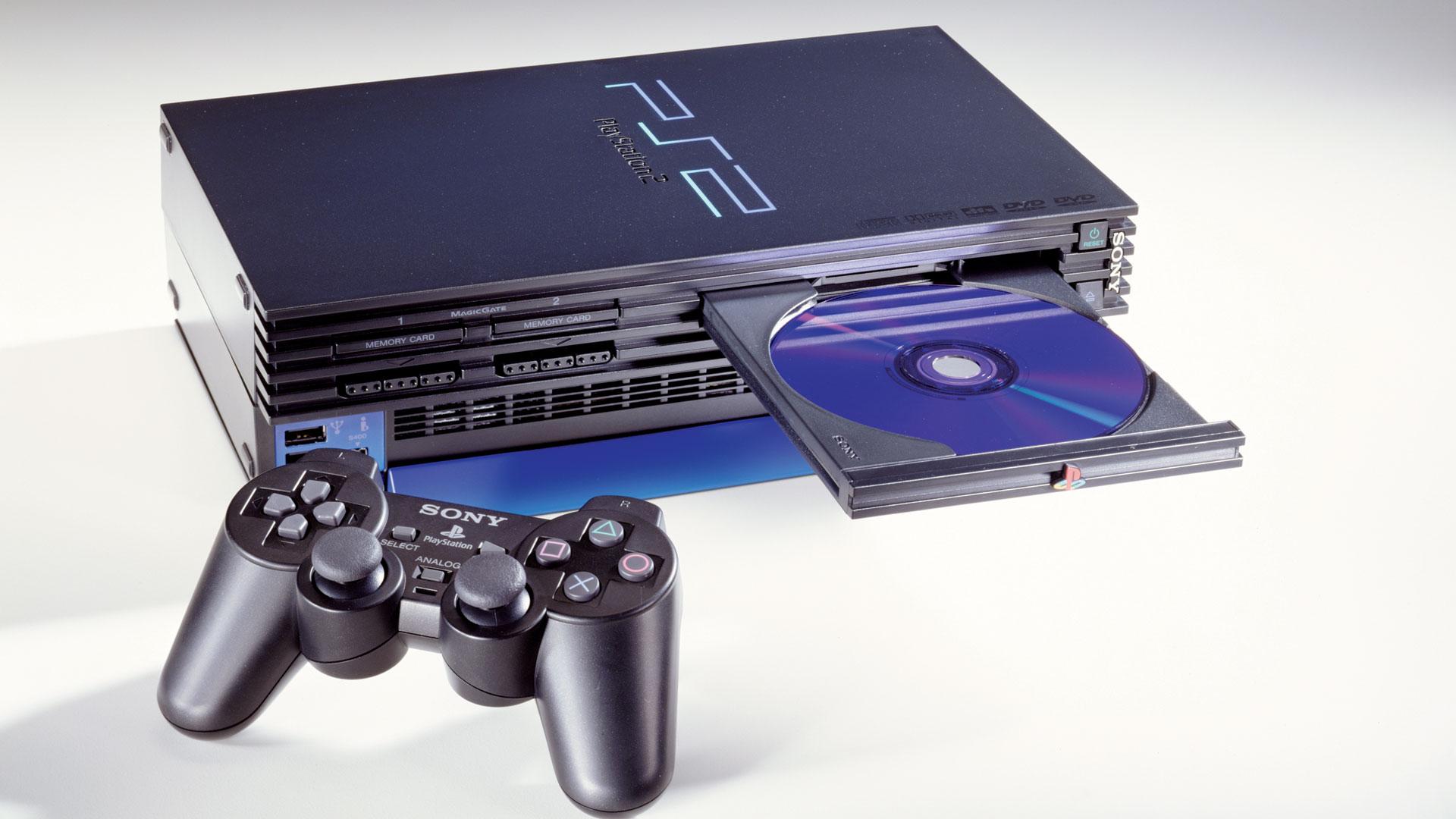 Die PlayStation 2 mit DVD-Fach und Controller