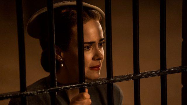 """Schauspielerin Sarah Paulson als Mildred Ratched in der Serie """"Ratched"""""""