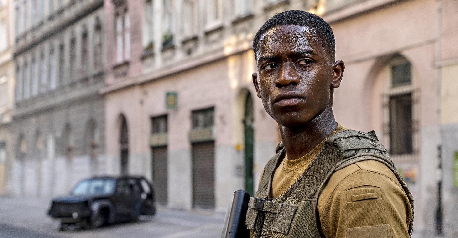 Damson Idris in Outside the Wire