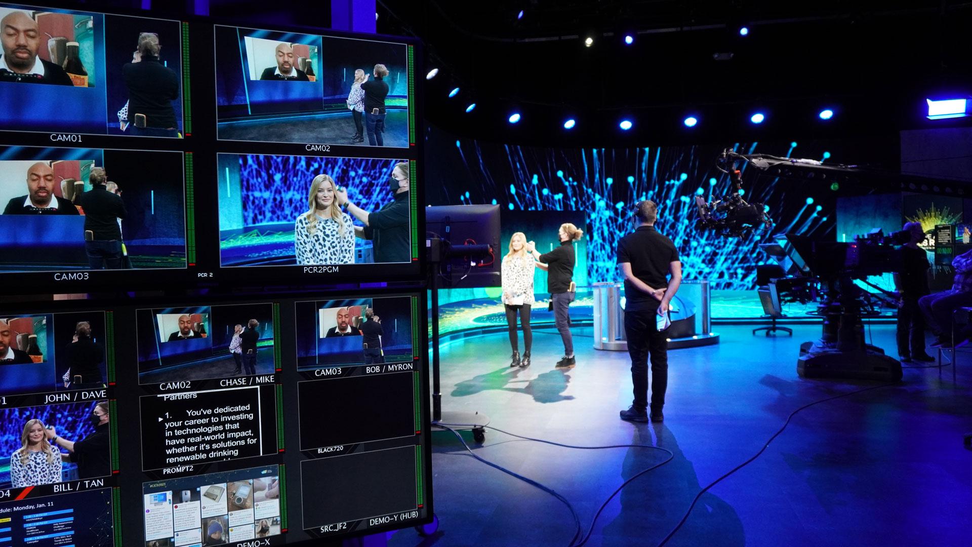 Vorbereitungen vor der Kamera-Übertragung bei der digitalen CES 2021 mit iJustine.