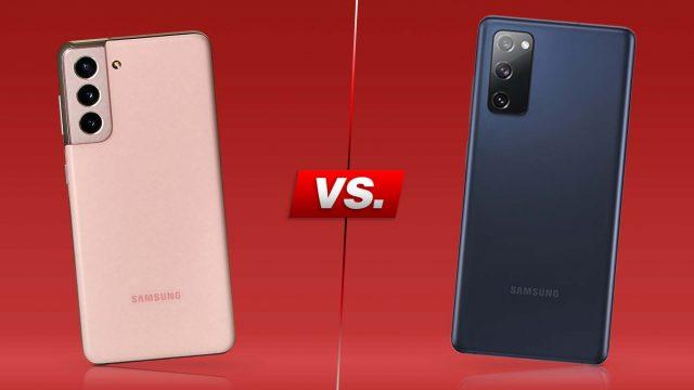 Galaxy S21 und Galaxy S20 FE nebeneinander vor rotem Hintergrund