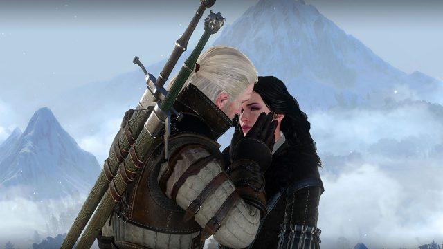 Geralt und Yennefer küssen sich. Eine Szene aus The Witcher 3