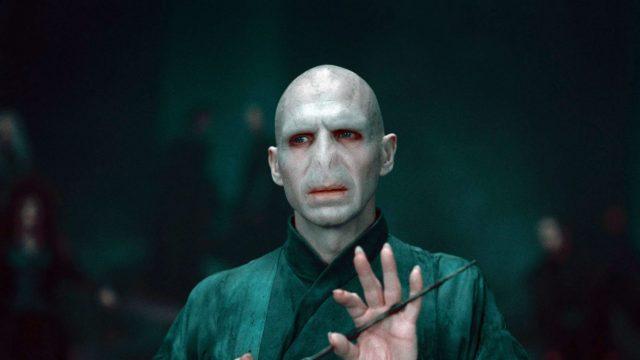 Ralph Fiennes als Lord Voldemort