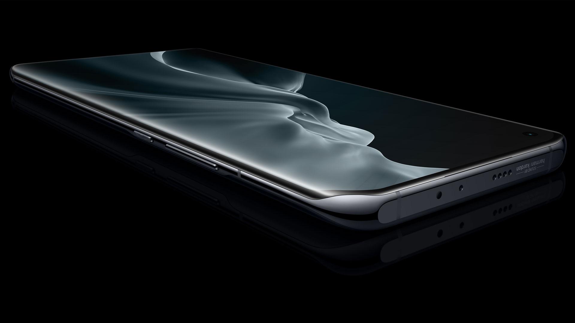 Das Display des neuen Xiaomi Mi 11 | 5G in Midnight Gray vor schwarzem Hintergrund.